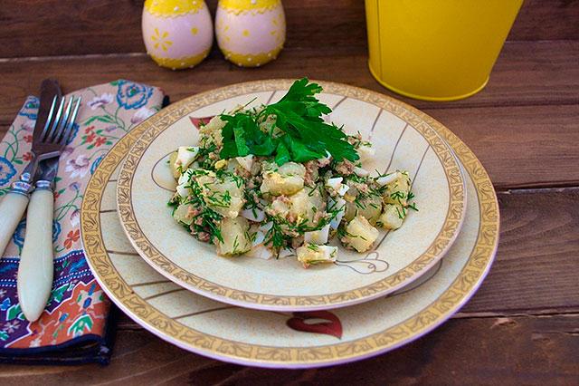 Рыбный салат с яйцом и картофелем рецепт