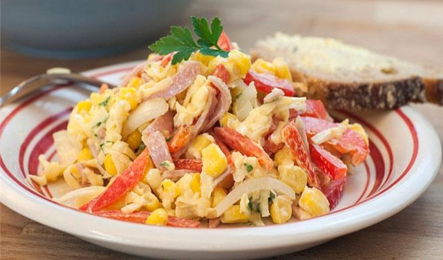 рецепт салата с ветчиной огурцами и перцем