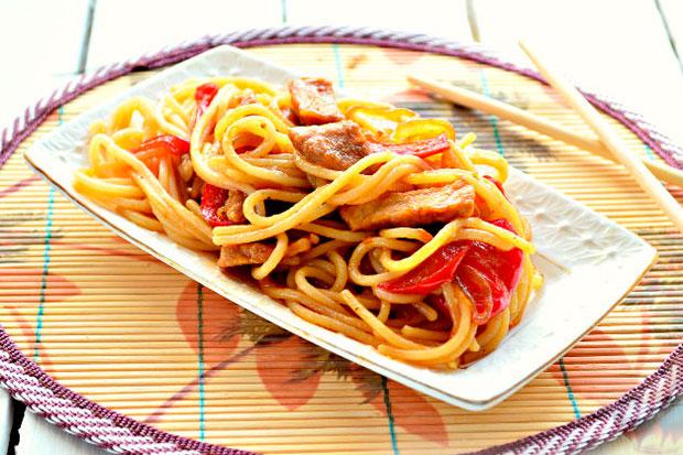 Приготовить мясо со спагетти