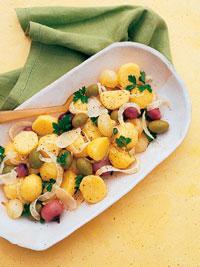Рецепт салата из отваренного картофеля с оливками