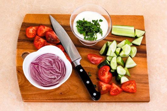 Салат и заправка для шашлыка