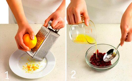 Пропускаем цедру апельсина через тёрку и выжимаем сок