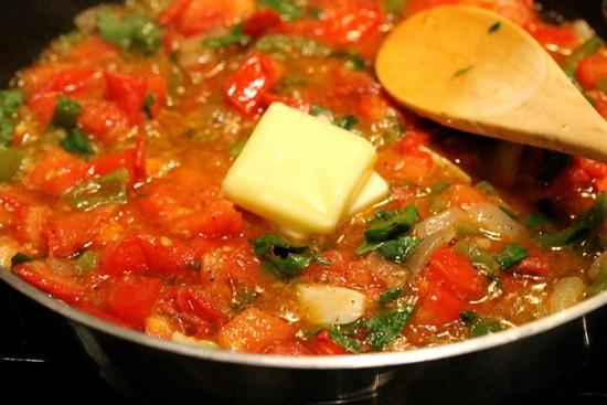 Паста с томатно-чесночным соусом