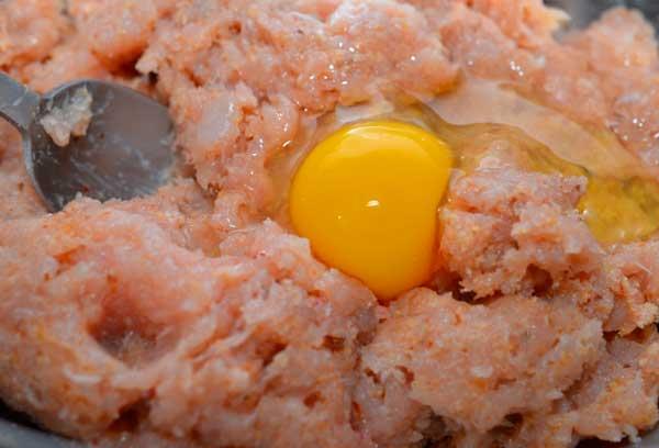 Как приготовить фарш для куриных фрикаделек