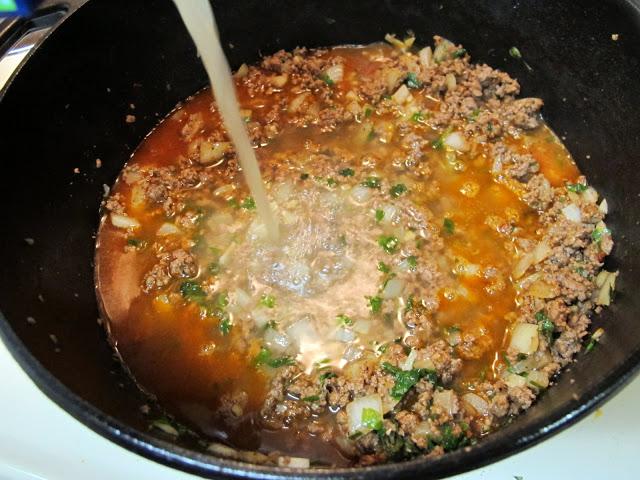 Рисовый суп с капустой и мясным фаршем