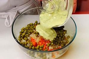 Классический салат Оливье приготовление