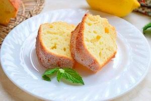 Воздушный бисквитный пирог с лимоном