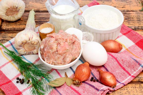 Ингредиенты для пельменей с мясом