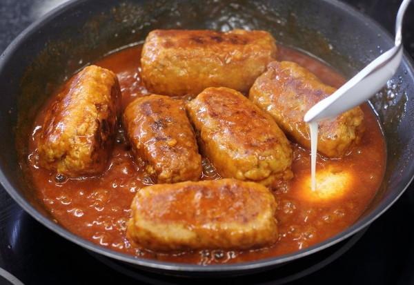 Мясные зразы на сковороде