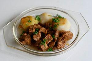 Тушеная говядина с луком пошаговый на сковороде