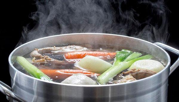 Классический мясной суп с лапшой