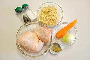 Продукты для куриного супа с лапшой
