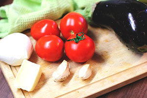 Продукты для приготовления баклажанов в духовке