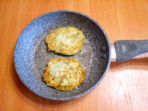 Оладьи из капусты на сковороде