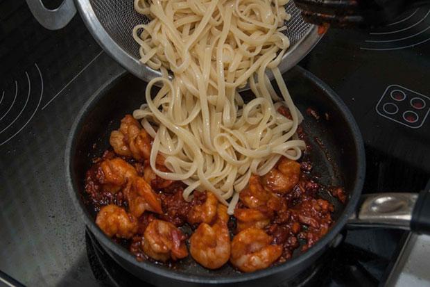 Спагетти с креветками рецепт