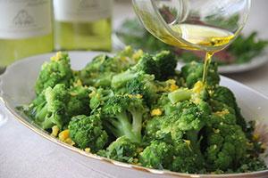 Простой рецепт брокколи с яйцом в масле
