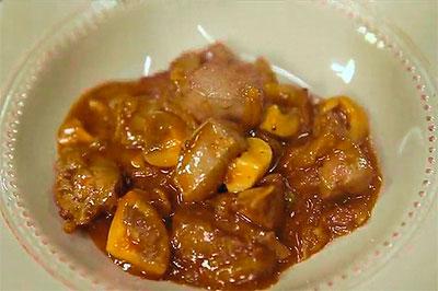 Печень говяжья с луком и грибами