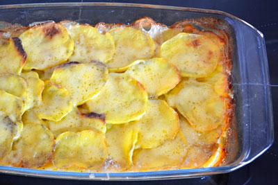 Сливочная картофельная запеканка с грибами и сыром