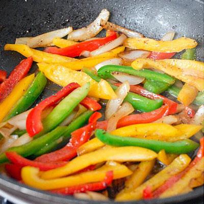 Сладкий перец на сковороде