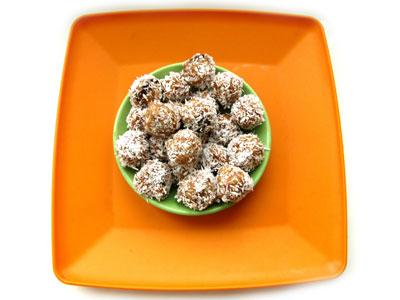 Рецепт конфет из кокосовой стружки со сгущенкой и изюмом