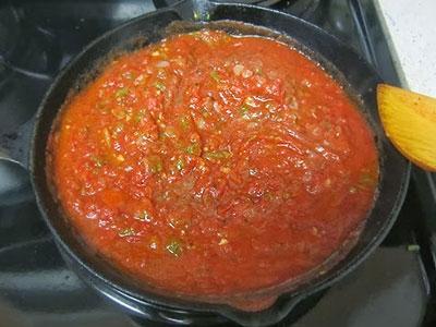 Томатный соус на сковороде
